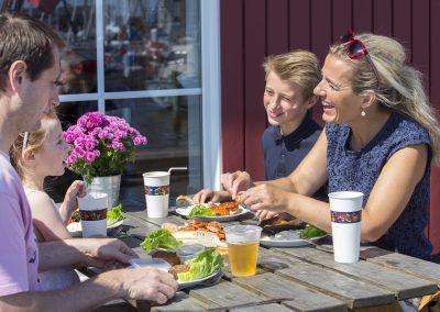 faaborg havn-fåborg-fiskeri-mad-hygge-ferie-sejskib-krabbe-fisker-fisk-røgeri-idyl-miljø-gamle træ huse